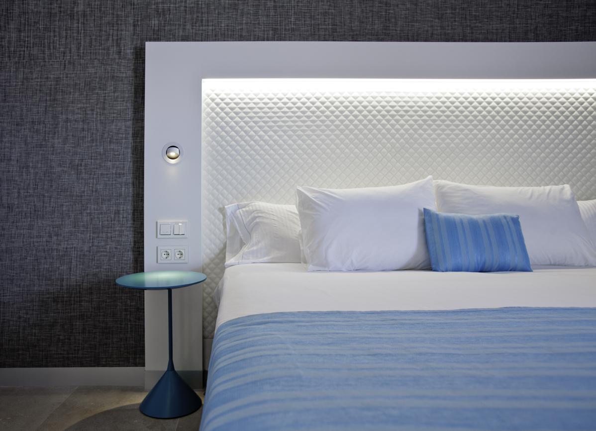 Hotel Suitopia cama
