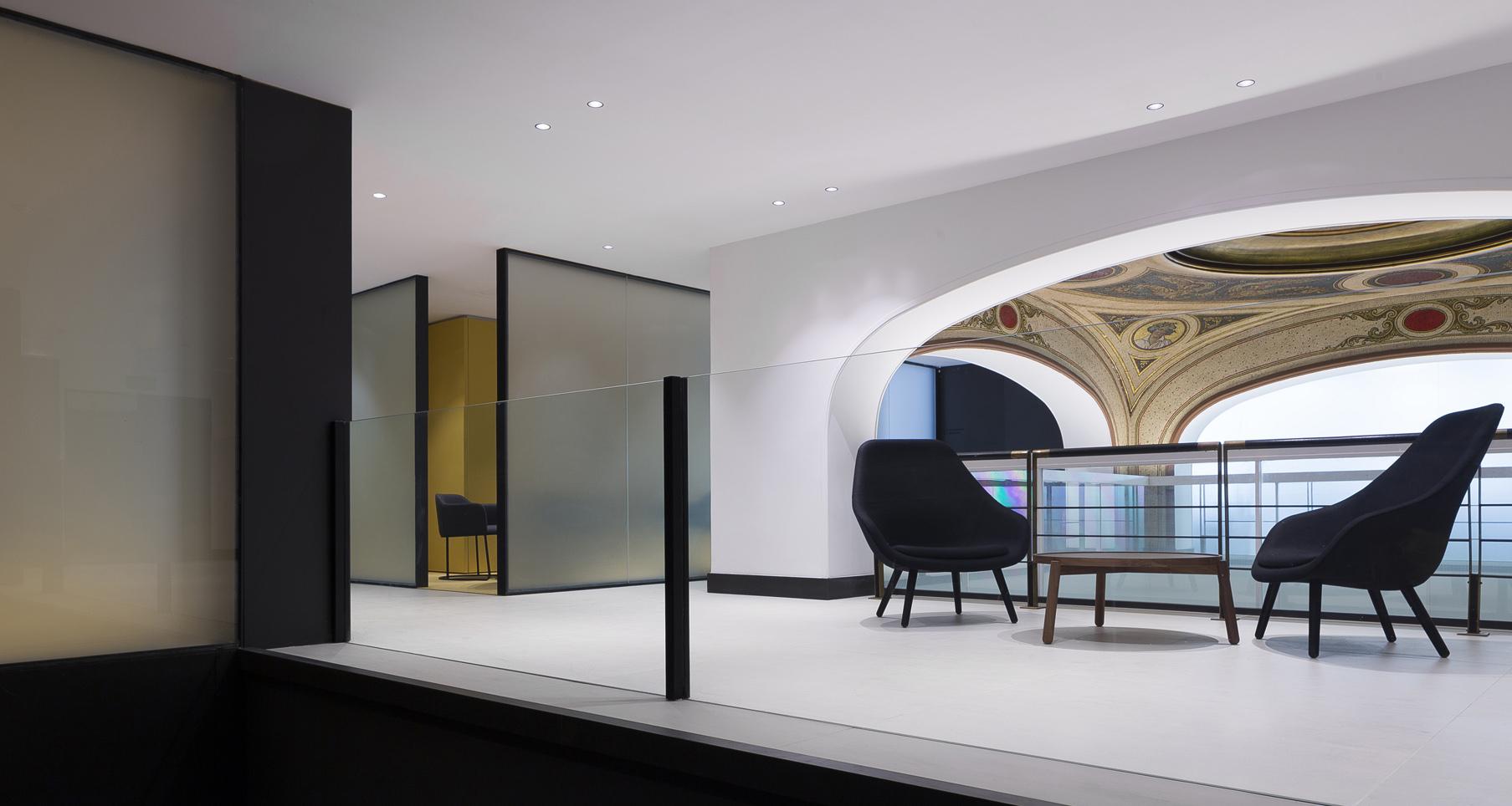 Sala de espera Store Caixa Bank Zaragoza