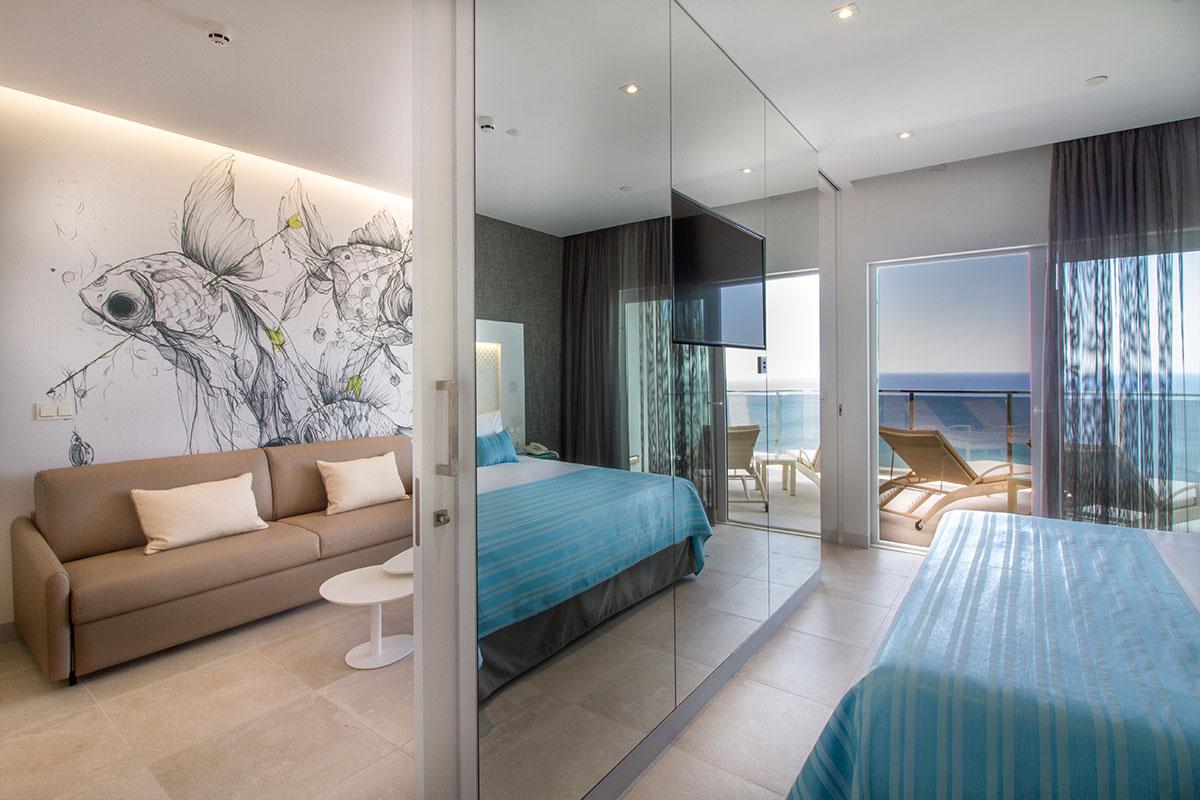 Suitopia Alicante vista mar habitación
